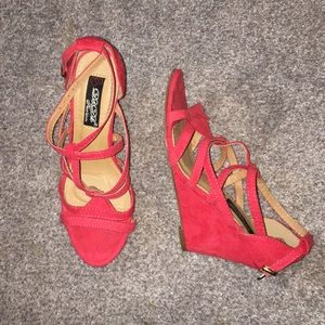 Coral red strappy wedged heel